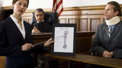 5 razones para tener a un abogado especialista en accidentes de tráfico